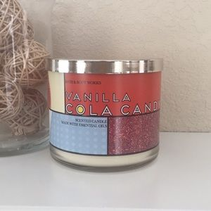 Vanilla Cola Candy Candle - NWT